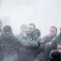 Віталій Кличко в диму від порошкового вогнегасника, 19 січня 2014 року. Автор: Гліб Гаранич, Reuters