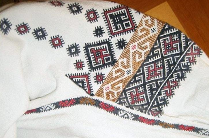 Вишиванки з усіх регіонів України  4fa9a2c95d6f1